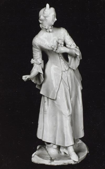 Dame mit Rosenstrauß