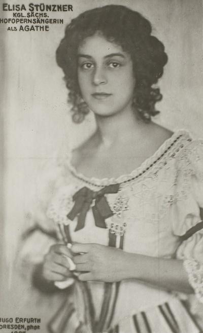 """Elisa Stünzner als Agathe in """"Der Freischütz"""" von Carl Maria von Weber. Fotografie (Weltpostkarte) von Hugo Erfurth. Königliche Hofoper Dresden, um 1915"""