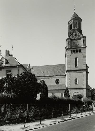 Gottfried-Keller-Straße; Pfarrkirche St. Marien