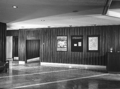 Wandvertäfelung im Foyer; Hotel Bellevue