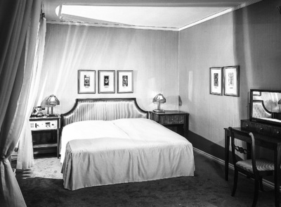 Doppelbett; Hotel Bellevue