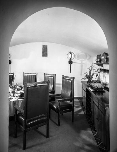 Gaststättenausstattung & Speisezimmergruppe; Hotel Bellevue