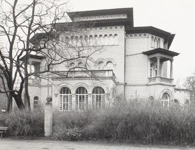 Villa Tillmans