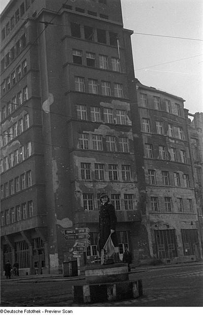 Image from object titled Reiseaufnahmen aus Dresden