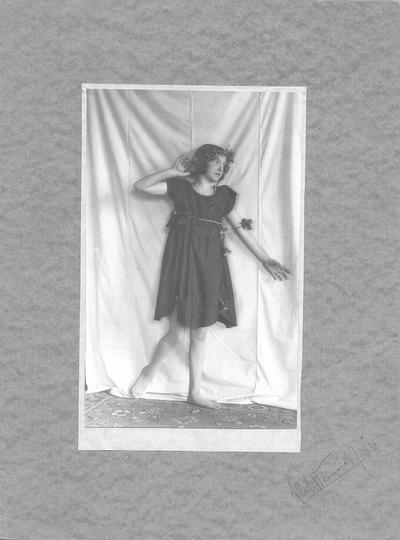 Marianne Schmiedel (geb. Heinrich) bei einer Theateraufführung