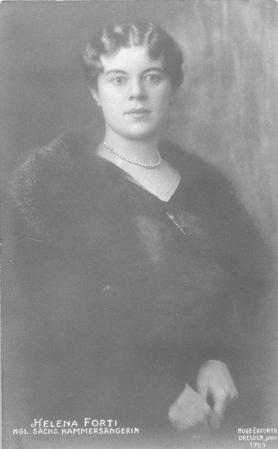 Porträt Helena Forti. Fotografie (Weltpostkarte). Dresden, um 1920