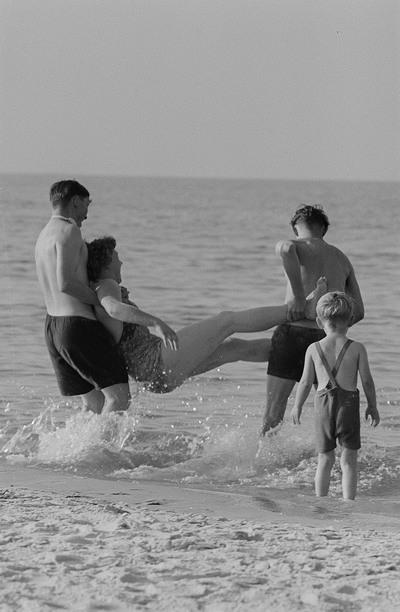 Badegäste am Prerower Strand
