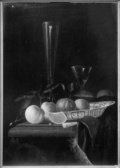 Stilleben mit Pfirsichen, Orangen und Gläsern