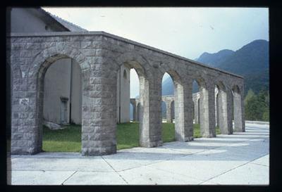 Image from object titled Kobarid - Italijanska kostnica in cerkev sv. Antona, fotografija