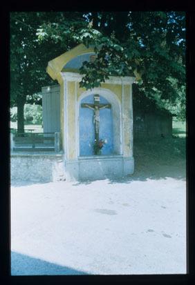 Image from object titled Stari trg pri Slovenj Gradcu - Kapelica pred gostilno, fotografija