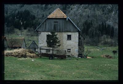 Image from object titled Lepena - Domačija Lepena 25, fotografija