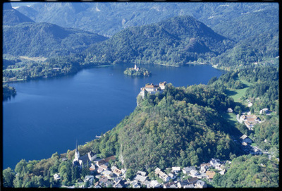 Image from object titled Bled - Naselje (pogled iz zraka), fotografija