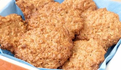 Сладки с орехи и овесени ядки