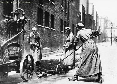 Image from object titled Women resurfacing a road 1914-1918