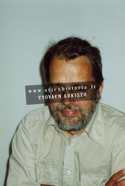 Kuvassa Kansanmusiikki-instituutin johtaja Heikki Laitinen, joka toimi vuodesta 1983 ensin Sibelius-Akatemian kansanmusiikkiosaston lehtorina ja valittiin vuonna 2001 Helsingin Sibelius-Akatemian kansanmusiikin osaston...