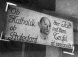 Detailaufnahme Transparent mit anti-jüdischer Propaganda