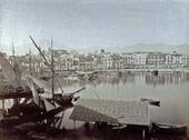 Scorcio del porto di Palermo popolato di imbarcazioni a vela all'ormeggio