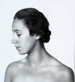Ritratto di donna di profilo