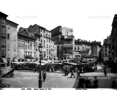 The old market of Piazza Campo de' Fiori in Rome. At the center, the Monumento to Giordano Bruno