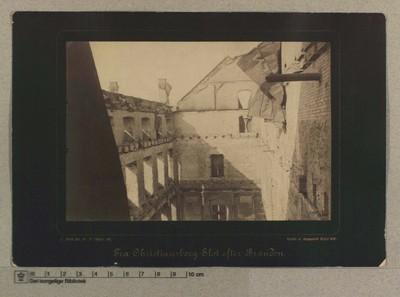 Apartementssalen set fra Kongens Trappe i Kronprindsens Etage, 5.-7 Oktober 1884
