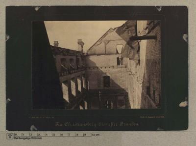 Appartementssalen set fra Kongetrappen i Beletagen, 5.-7 Oktober 1884