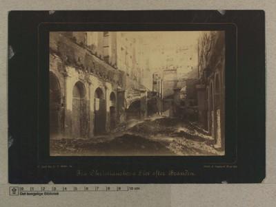 Folketingssalen og Riddersalen, set fra 4de Vinduesfordybning op imod Formandspladsen og Tronstolen, 5.-7 Oktober 84
