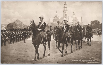 Hs. Majestæt Kong Christian d. X. med sin Stab