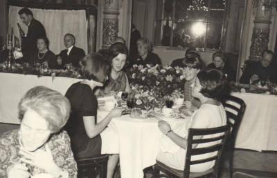 1963? Banquet a l'Hotel Oriente de les Rambles amb motiu de la Reunió anual de Bibliotecàries