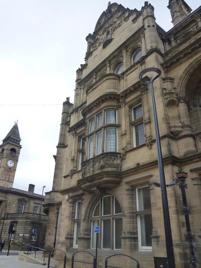 County Hall, Bond Street, Wakefield - Exterior upper floor windows