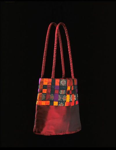 Shot silk handbag with interlaced ribbons, made by Matthew Williamson, Great Britain, 1996.