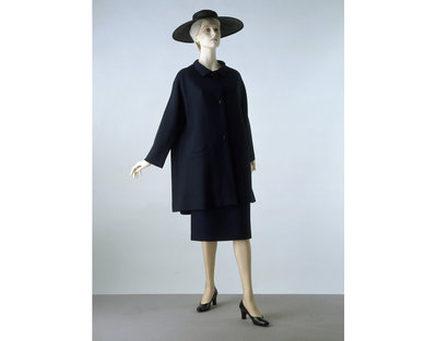 Jacket and skirt in woven wool and silk, lined with silk, given by Cristóbal Balenciaga, Paris, ca. 1964.
