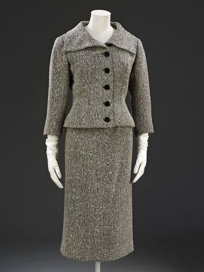 Jacket and skirt of tweed lined with silk, designed by Cristóbal Balenciaga, Paris, 1954-1955.
