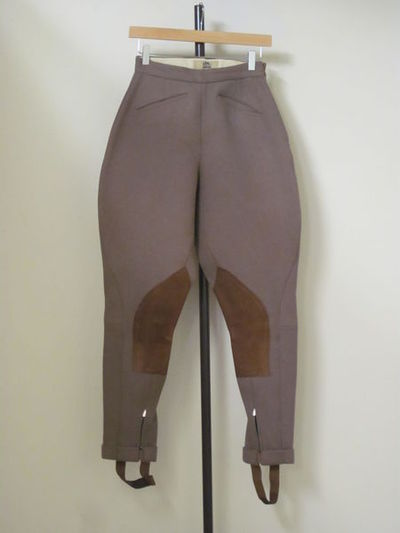 Woman's riding jodhpurs, beige twill, Harry Hall, Great Britain, 1950-75.  Twill.