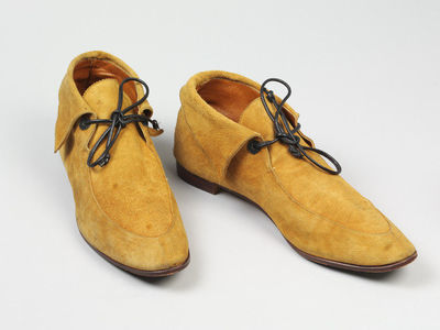 Pair of light brown suede pixie boots, designed by Manolo Blahnik, England, 1976.