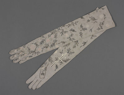 Pair of machine-embroidered crêpe evening gloves, designed by Mary Kessell, embroidered by Frances Beal, Great Britain, 1949.