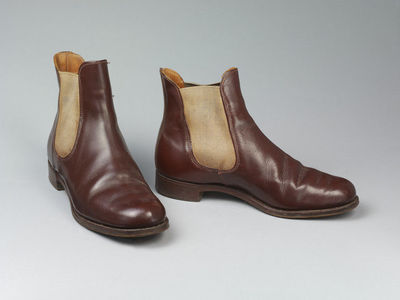 Women's riding boots, brown leather, Harry Hall, Great Britain, 1950-75.  Leather;;