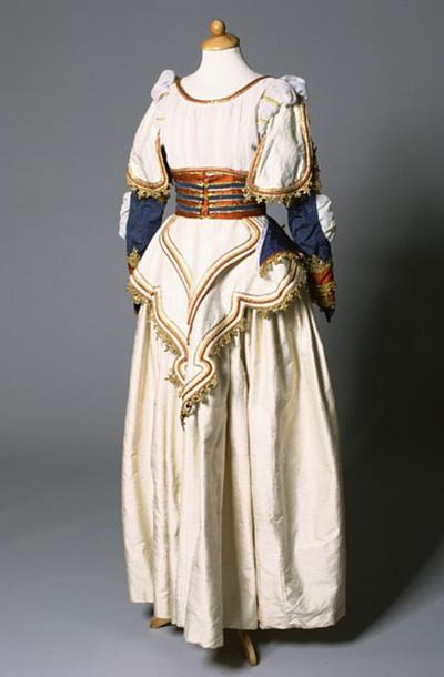 Kostuum gedragen door Janet Perry als Belinda in Dido en Aeneas (Henry Purcell)