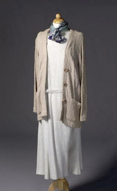 Kostuum gedragen door Enid Hartle als Miss Reid in Wintercruise (Hans Henkemans)
