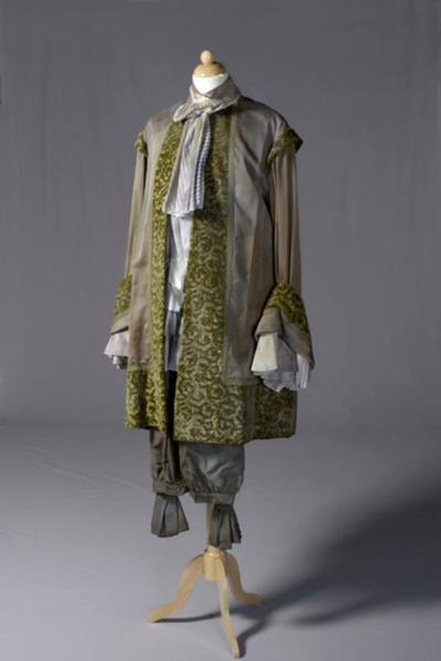 Kostuum gedragen door Johan Schmidt als Monsieur de Sotenville uit George Dandin (Moliere)