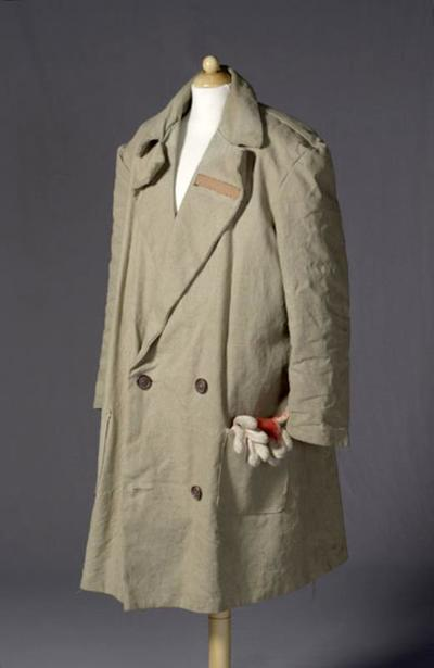 Kostuum gedragen door Peter van der Linden als Macbett in Macbett (Eugène Ionesco)