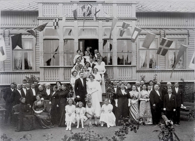 Image from object titled Portrett - Rektor Olaf Næsheims bryllup