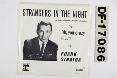 Strangers in the night / Oh, you crazy moon; Grammofonplate
