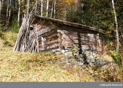Løe fra stølen Vieren på Veståsen Ål Bygdamuseum, Leksvol