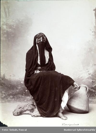 Arabisk kvinne med slør