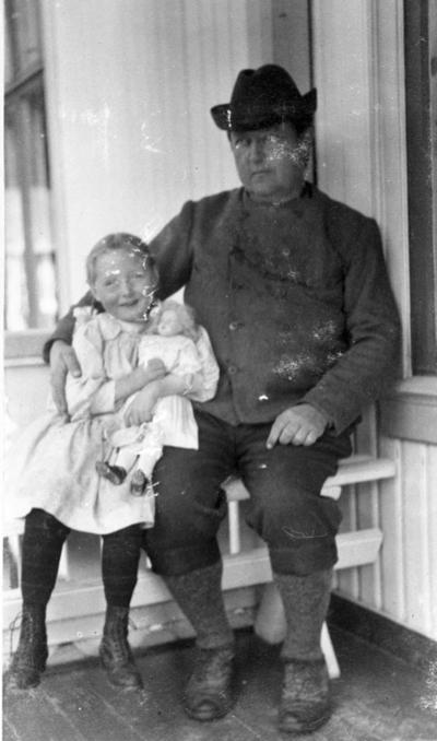 Gunder Storberget med datter