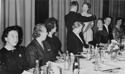 Image from object titled Titti Dilling Larsen utnevnes til Ås turnforenings første æresmedlem til h