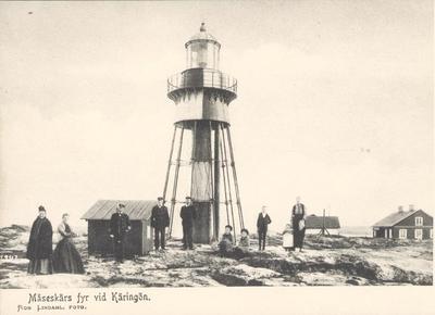 """Image from object titled Tryckt text på kortet: """"Måseskärs fyr vid Käringön"""". """"Förlag: Albert Wallins Bokhandel, Lysekil""""."""