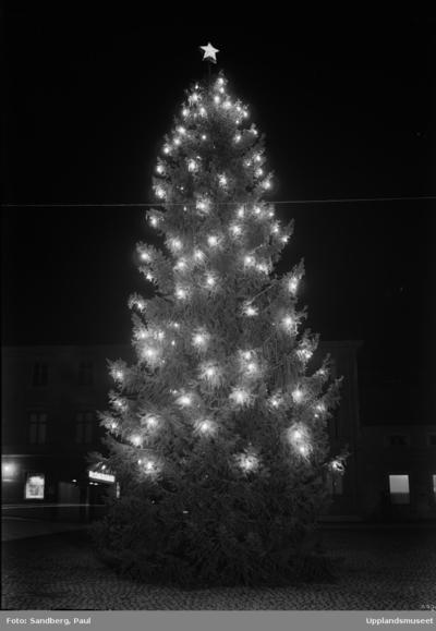 Image from object titled Julgran på Fyristorg, Uppsala december 1944