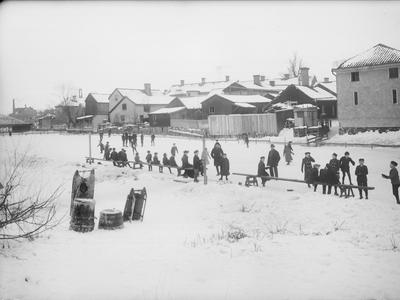 Image from object titled Skridskoåkning på Fyrisån i Uppsala 1901 - 1902