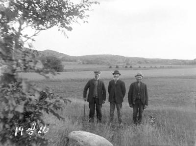 """""""Johannes Andersson, August Hansson, Skistad och Henrik Olsson. 29/9 1920."""""""